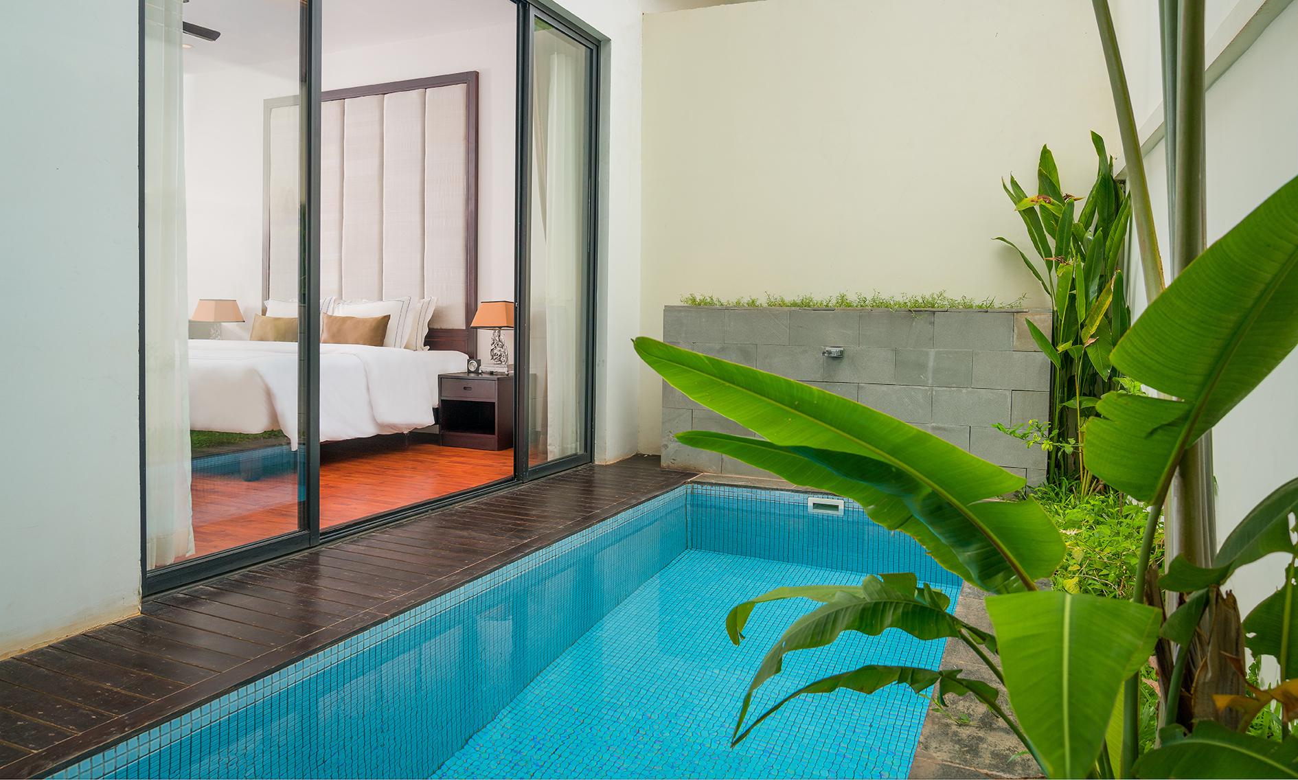 112 Suite Pool (7)