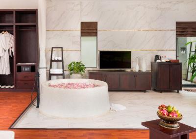 112 Suite Pool (11)