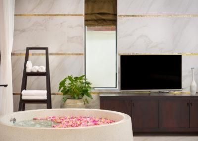 112 Suite Pool (4)