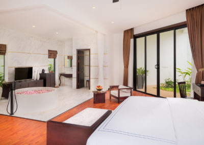 112 Suite Pool (9)